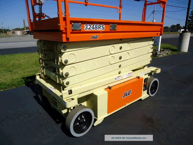 Where to find SCISSOR LIFT 32 X48 in Raleigh