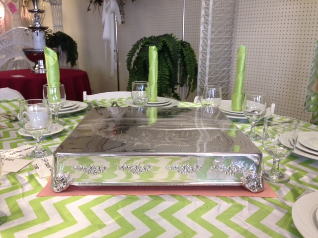 Where to find CAKE STAND 18 X18  SQUARE SILVER in Raleigh